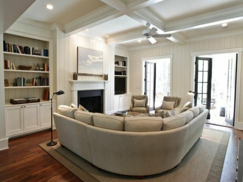 wohnzimmerteppich und möbel in beige