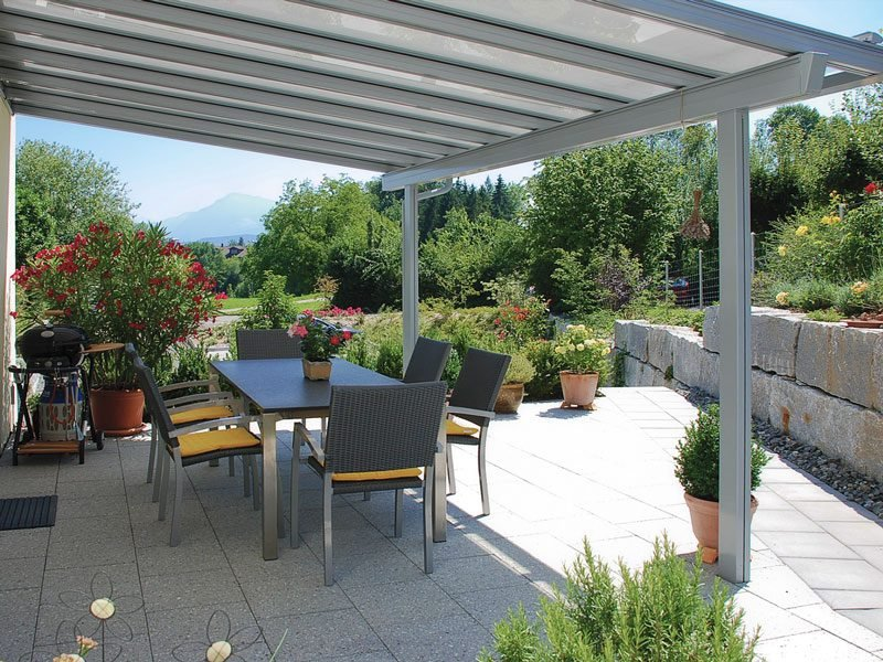 kreative Terrassengestaltung Glasdach