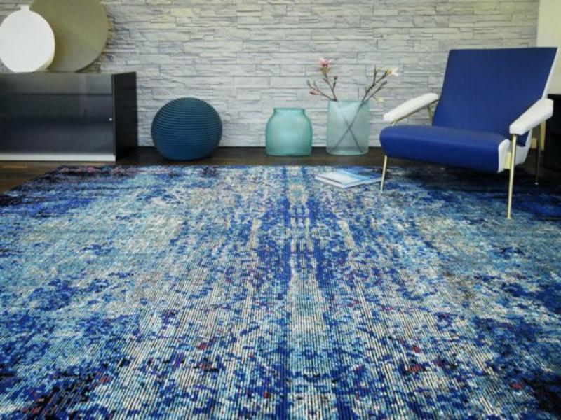 wohnzimmerteppich in blauen farben