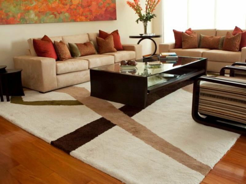 naturfarben auf dem wohnzimmerteppich