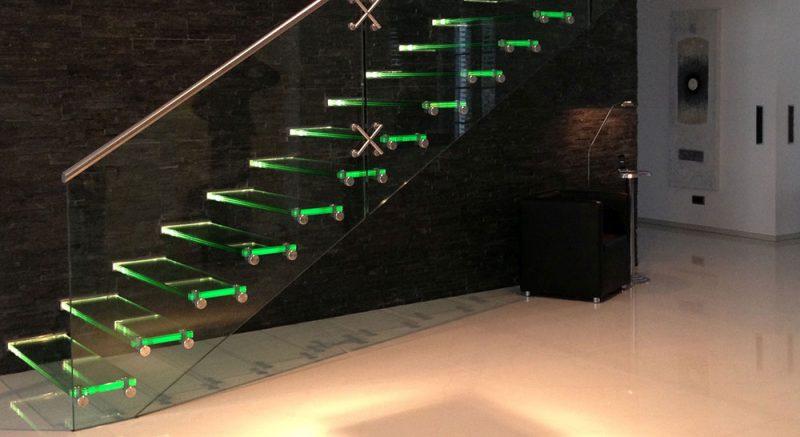 Treppenbeleuchtung Glastreppe LED