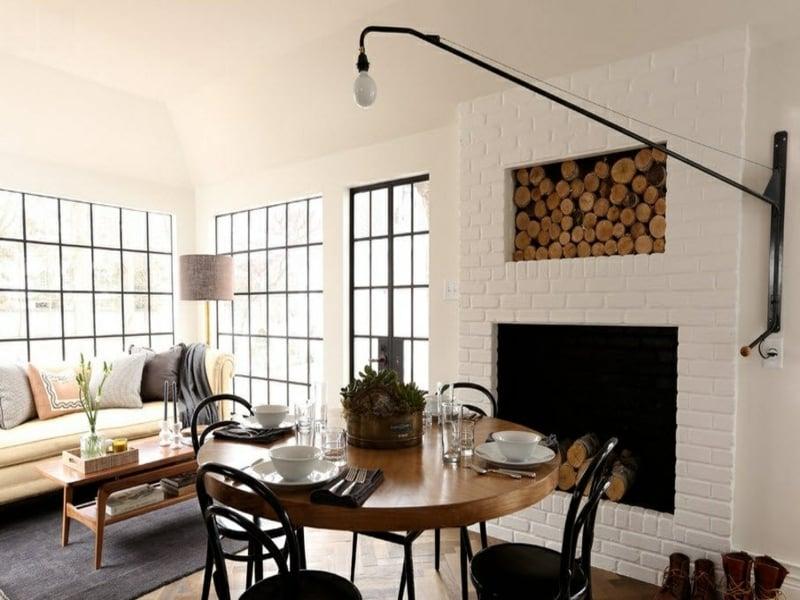 modernes wanddesign mit weißen ziegeln im eszimmer