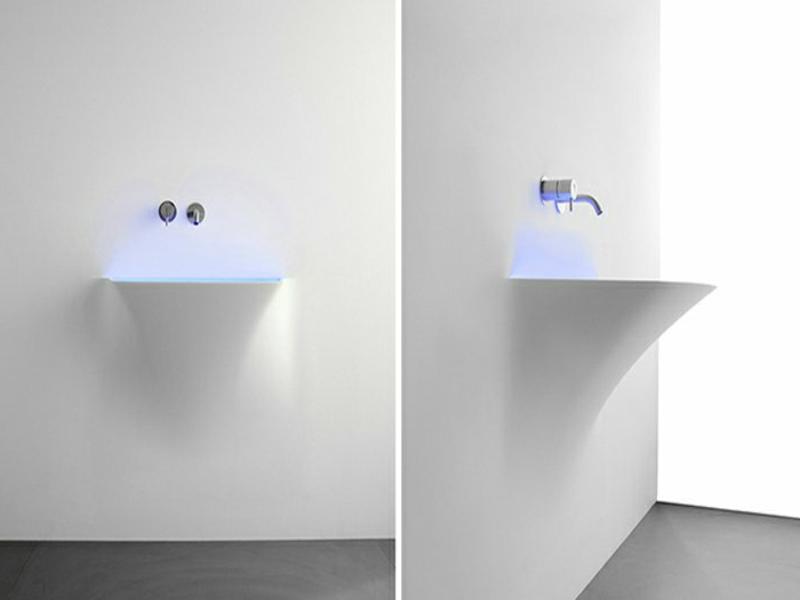 futuristisches waschbecken mit ledbeleuchtung