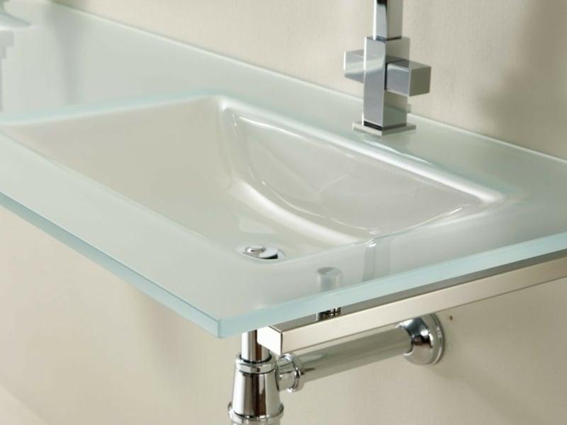 minimalistisches glaswaschbecken