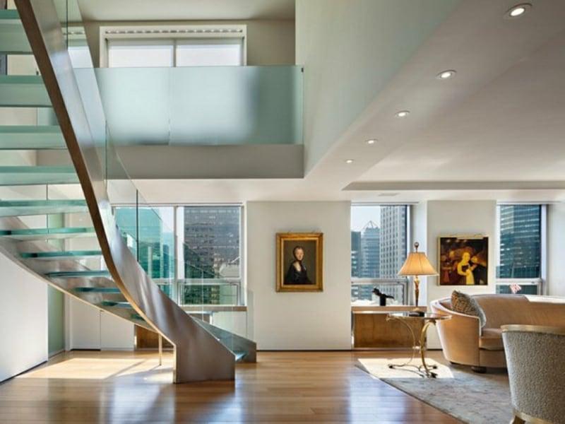 moderne treppen aus glas im wohnzimmer