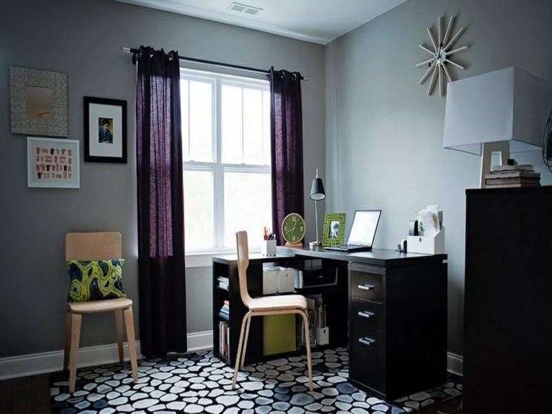 lila fenstervorhänge im wohnzimmer