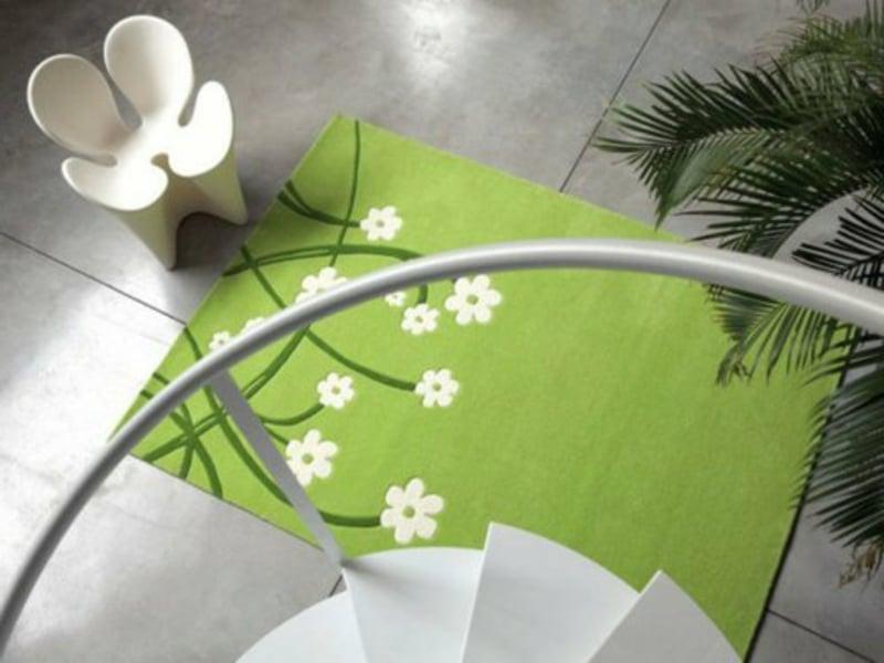 frisches grünes wohnzimmerteppich