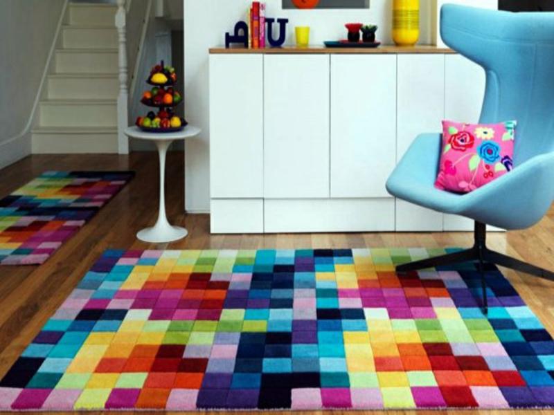 farbiges wohnzimmerteppich