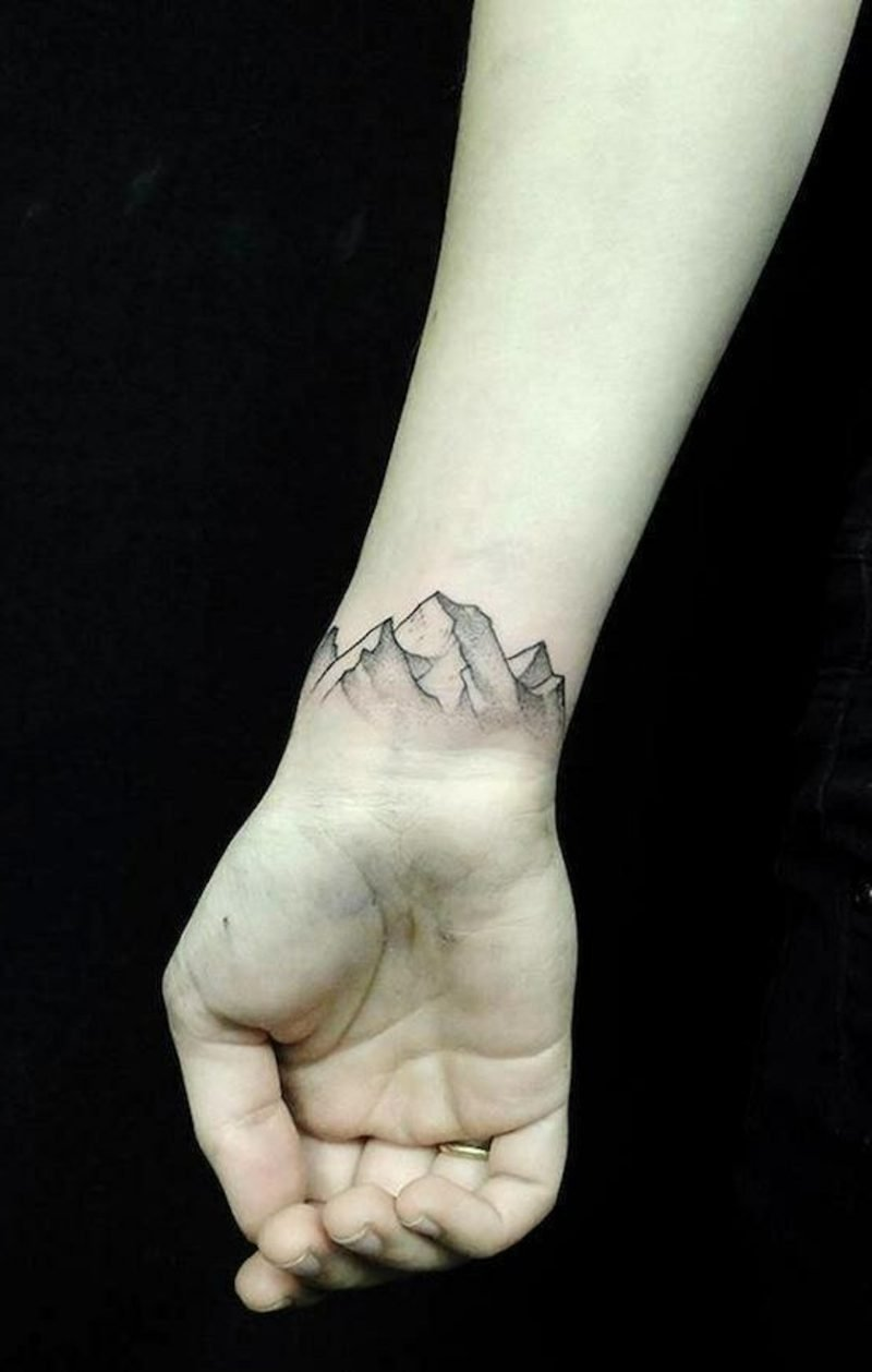 Armband Tattoo - Symbole und Bedeutungen - Tattoos - ZENIDEEN - Armreif Tattoo