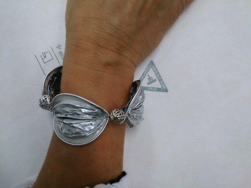 origineller Armband aus Nespresso Kapseln