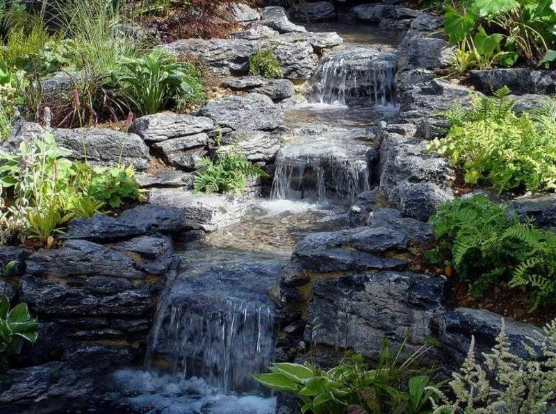 Bachlauf Wasserfall Garten kreative Gestaltungsideen