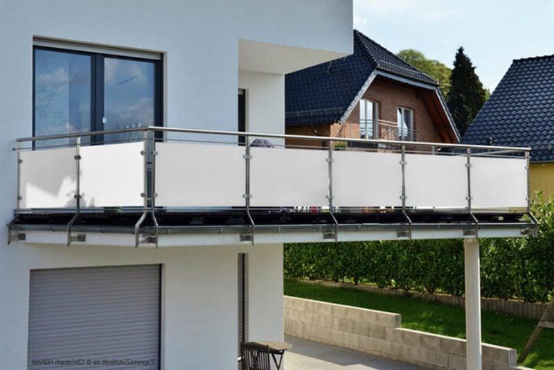 Balkonumrandung-Plexiglas