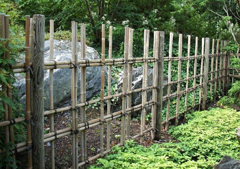 Gitterzaun aus Bambus