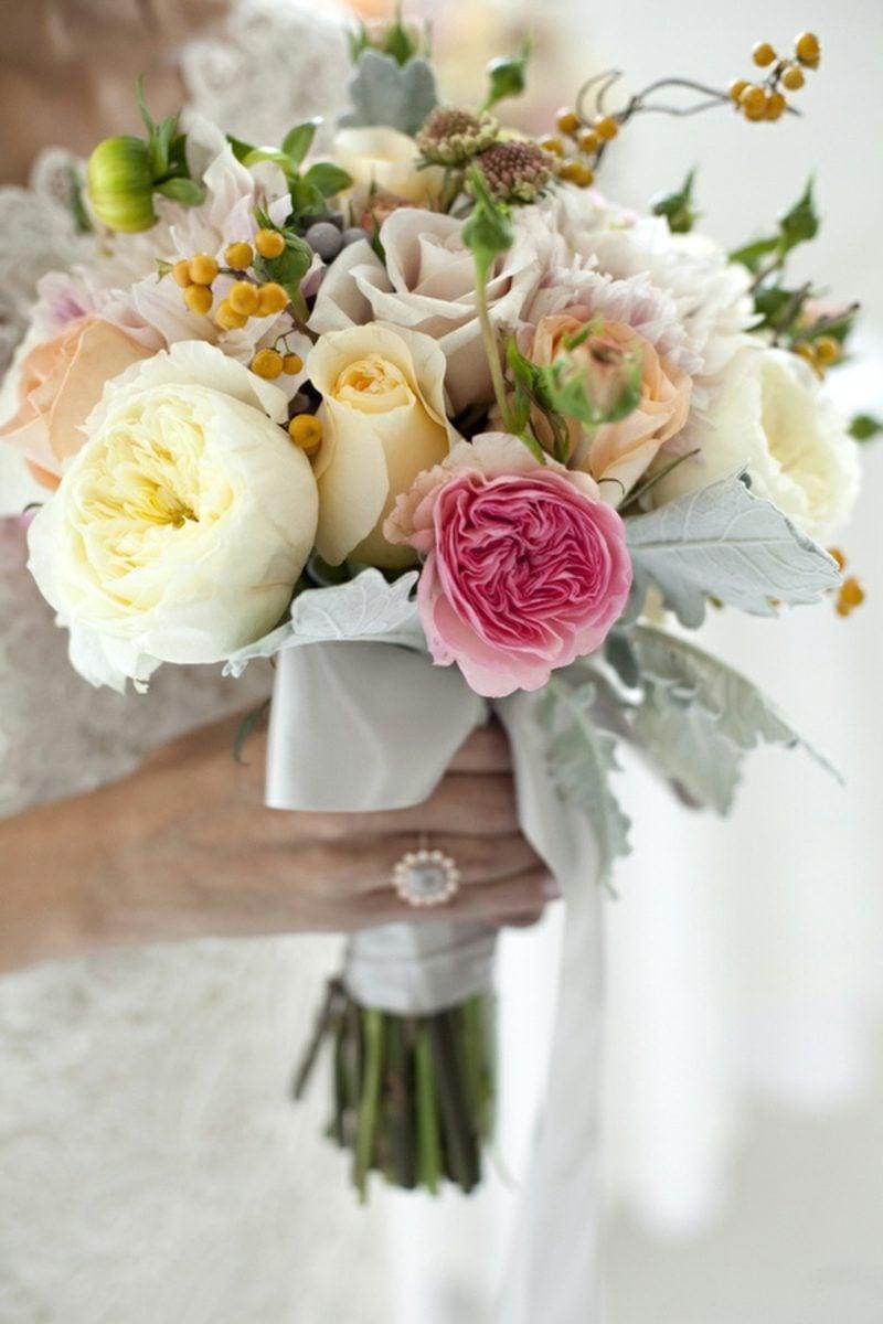 Blumengestecke-Hochzeit-spring-wedding-flowers-032-800x1200.jpg