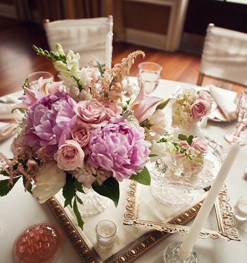 Blumengestecke-Hochzeit-wedding-floral-centerpieces-800x852.jpg