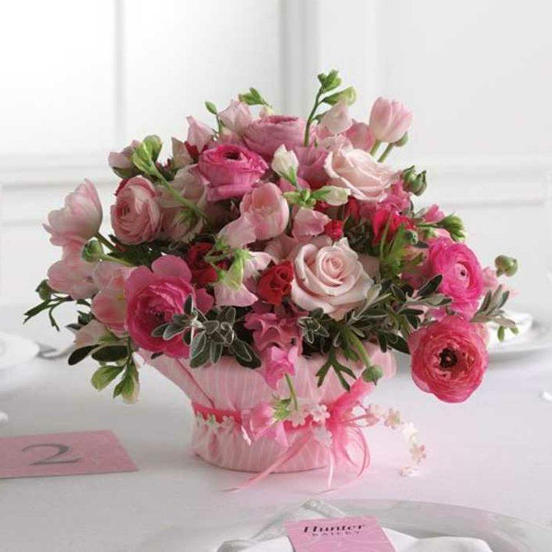 Blumengestecke für Hochzeit Rosen Vase