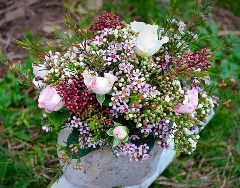 Blumengestecke-Hochzeit-wedding-flower-arrangements4-800x627.jpg
