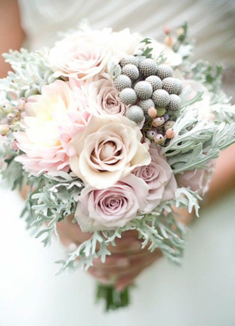 Blumengestecke-Hochzeit-winter-wedding-flowers-02_detail-800x1112.jpg