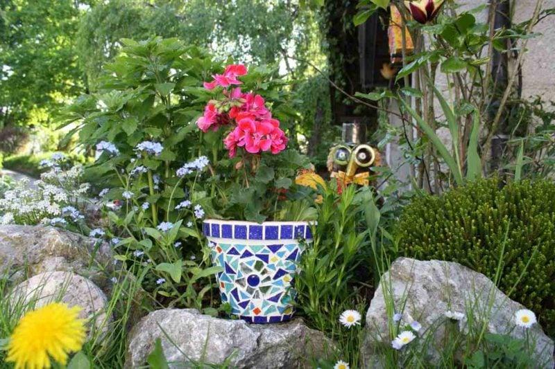 Blumentopf originelle Dekoration aus Mosaik