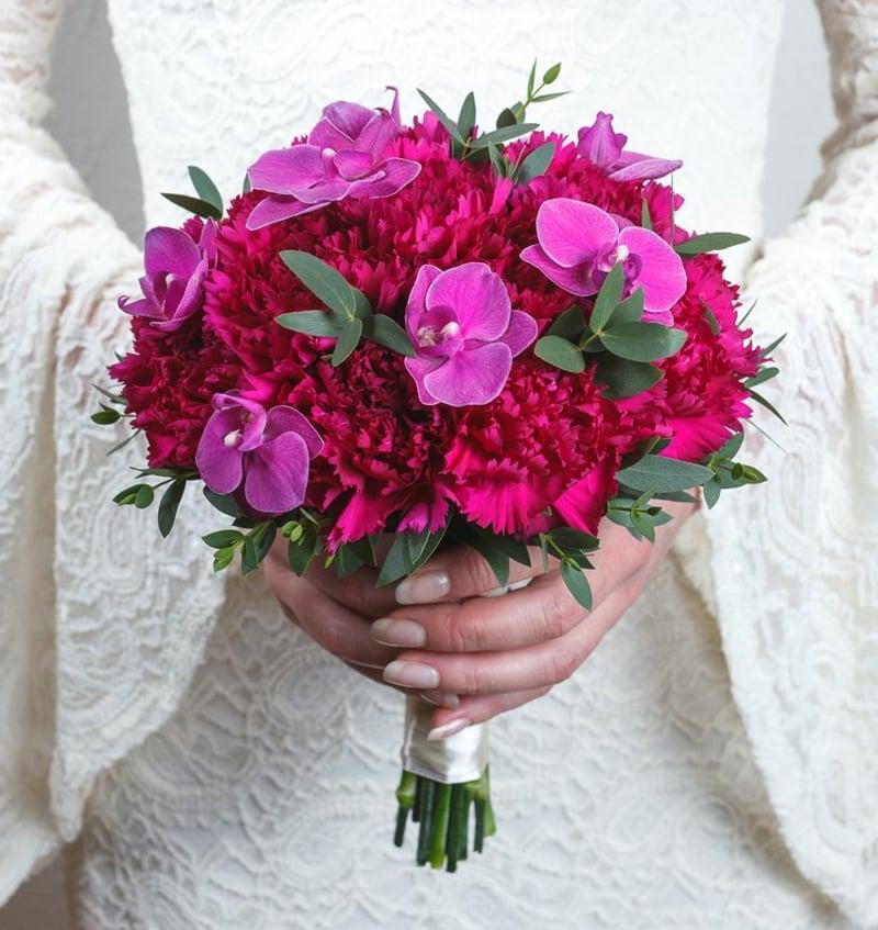 Brautstrauβ im Rot und Rosa