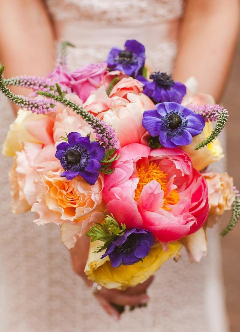Hochzeitsstrauβ aus Saisonblumen