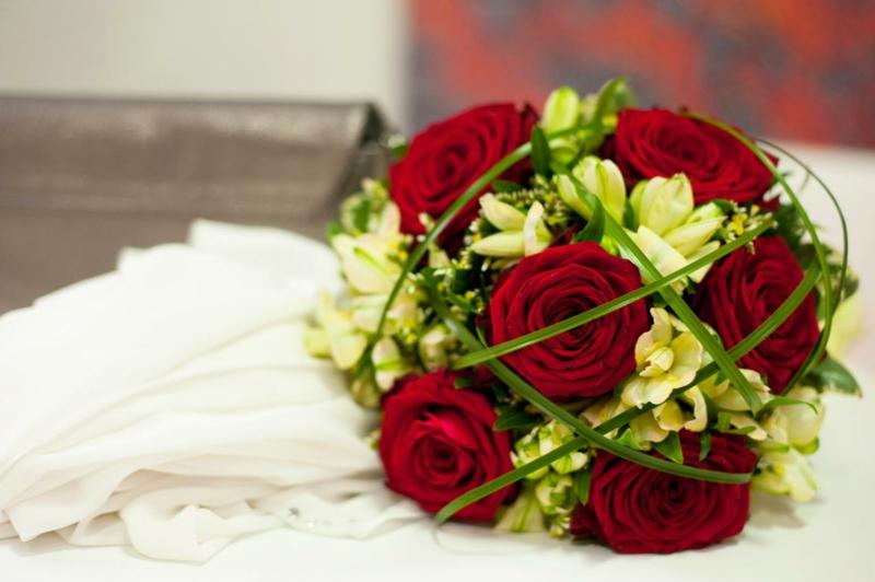 Brautstrauβ rote Rosen