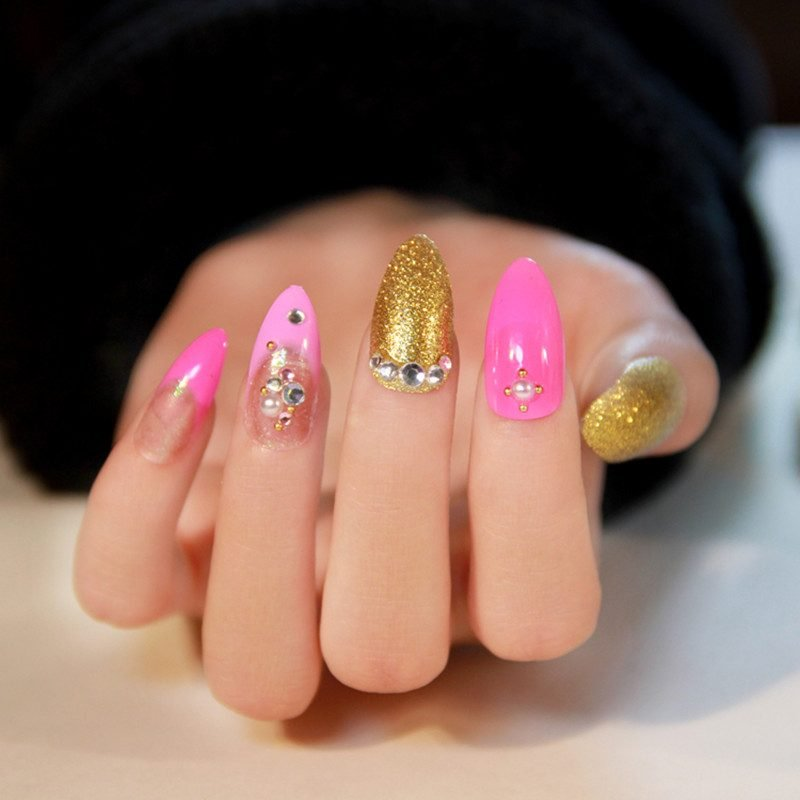 Fingernagel Design Rosa Gold