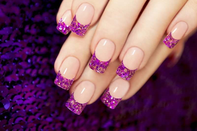 Fingernagel Design Lila Glitter