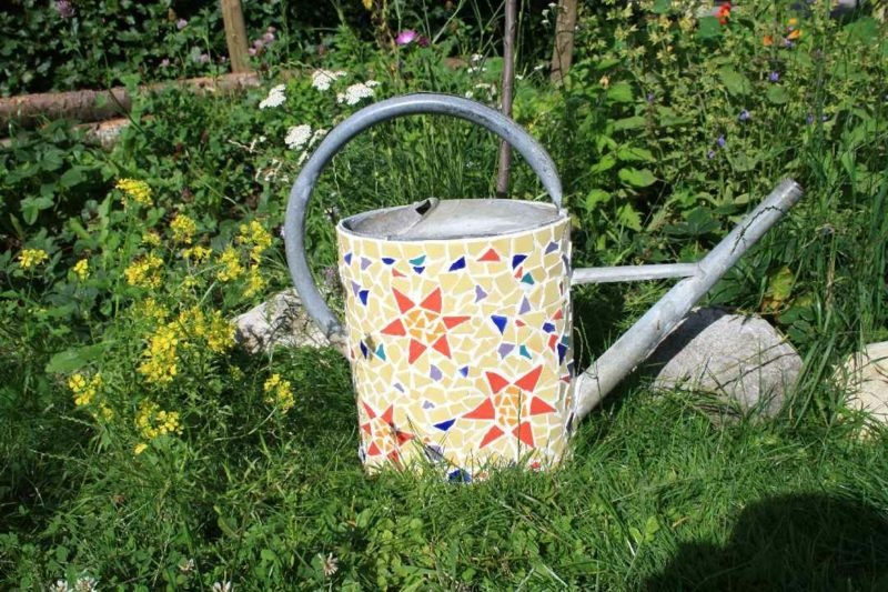 Mosaik basteln originelle Dekoration Giesskanne