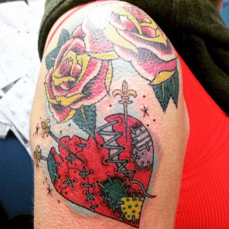 Herz Tattoo Colorful Broken Heart