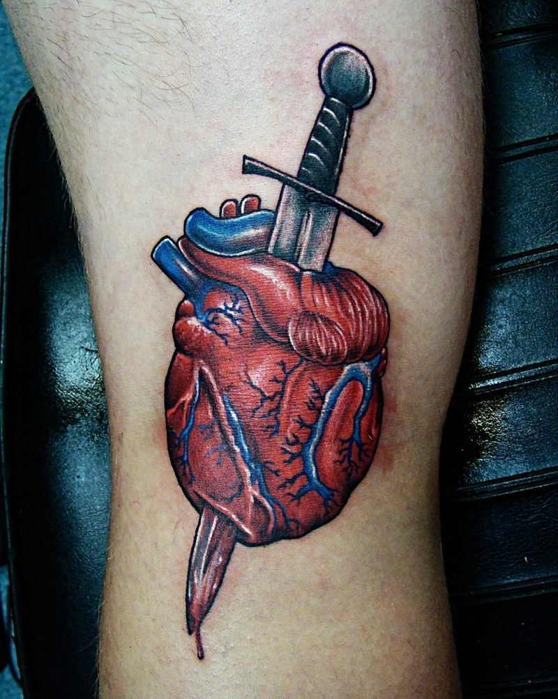 Herz Tattoo Dagger