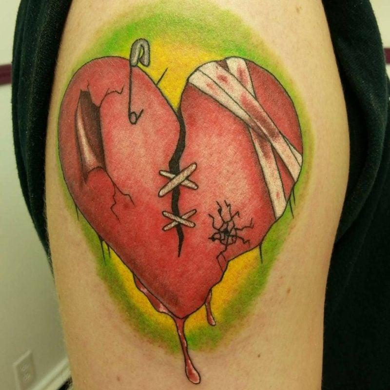 Herz Tattoo Damaged Heart Tattoo