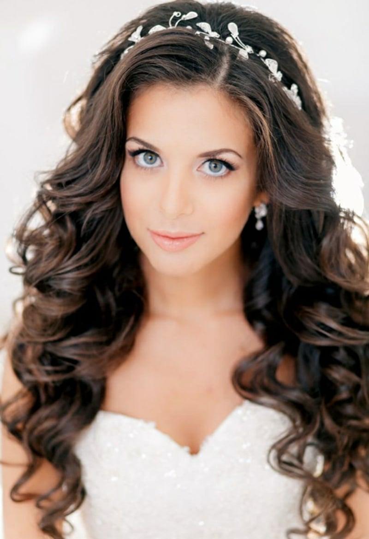 Hochzeitsfrisuren-creative-long-hair-wedding-hairstyles-with-jewelry