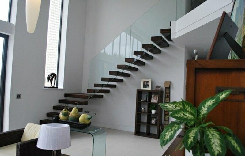 moderne freitragende Treppe Holz