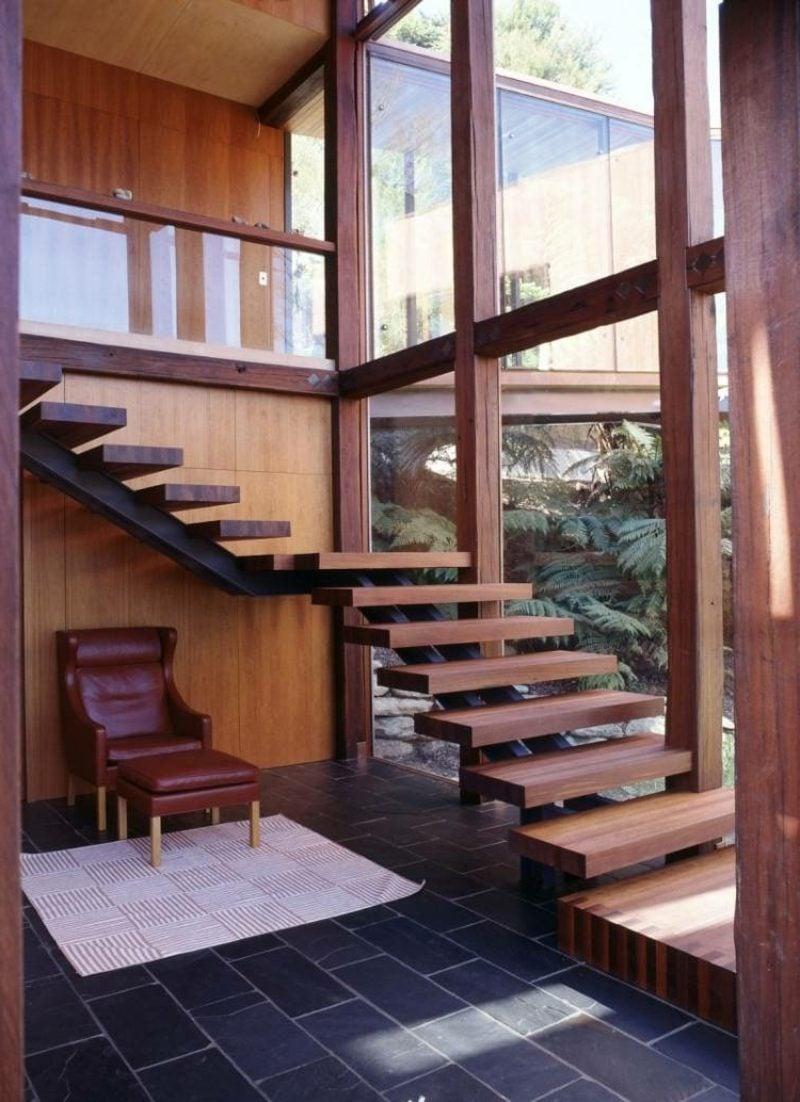 freihängende Treppe Holz