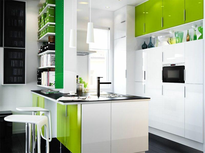 Kücheninsel Weiss und Grün