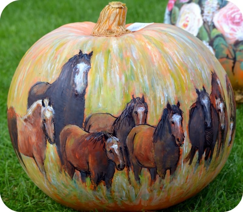 Kürbis bemalen horses painted pumpkin