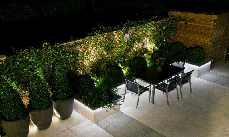 originelle Lichteffekte LED Beleuchtung im Garten