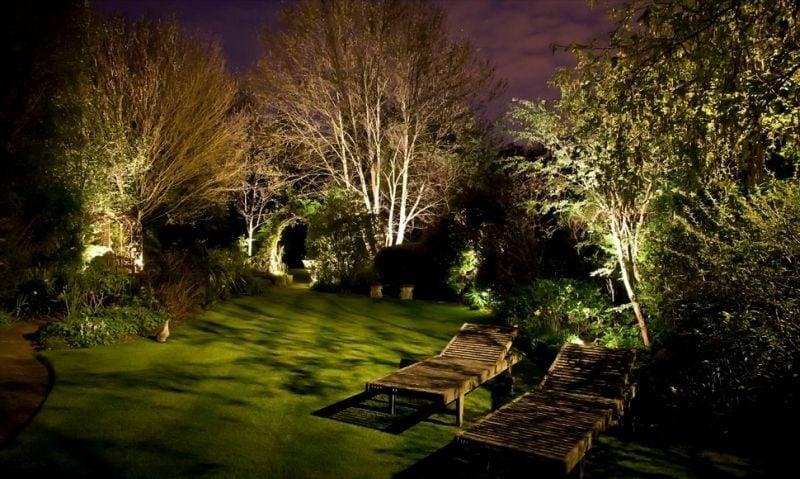 led gartenbeleuchtung  ideen fuer zauberhafte lichteffekte