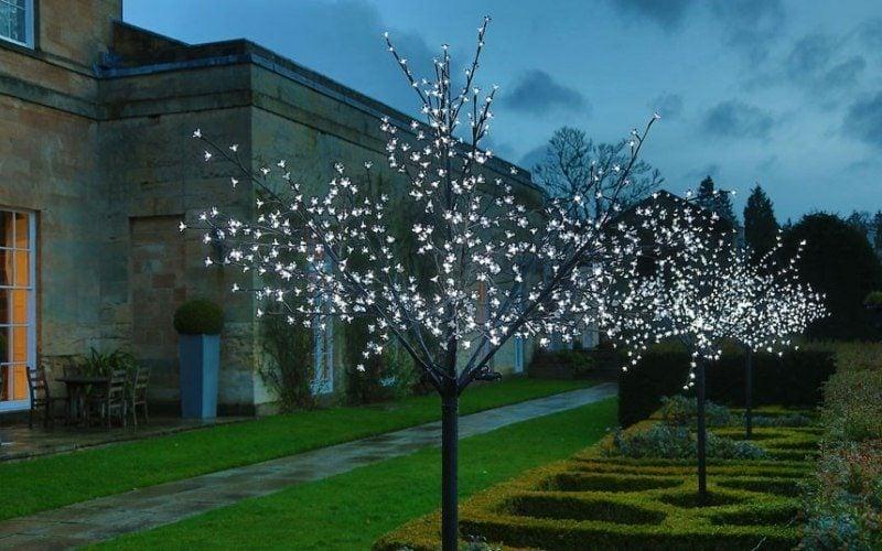 Lichterketten LED Beleuchtung im Aussenbereich
