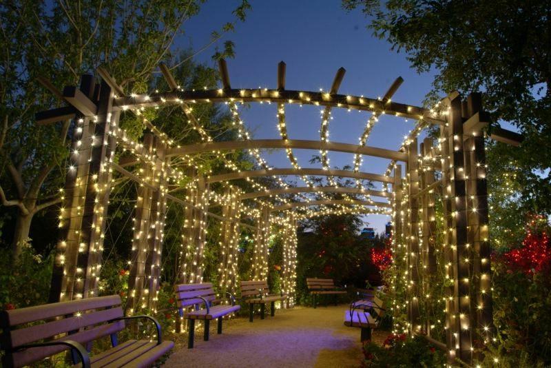 Lichterketten LED Beleuchtung im Garten