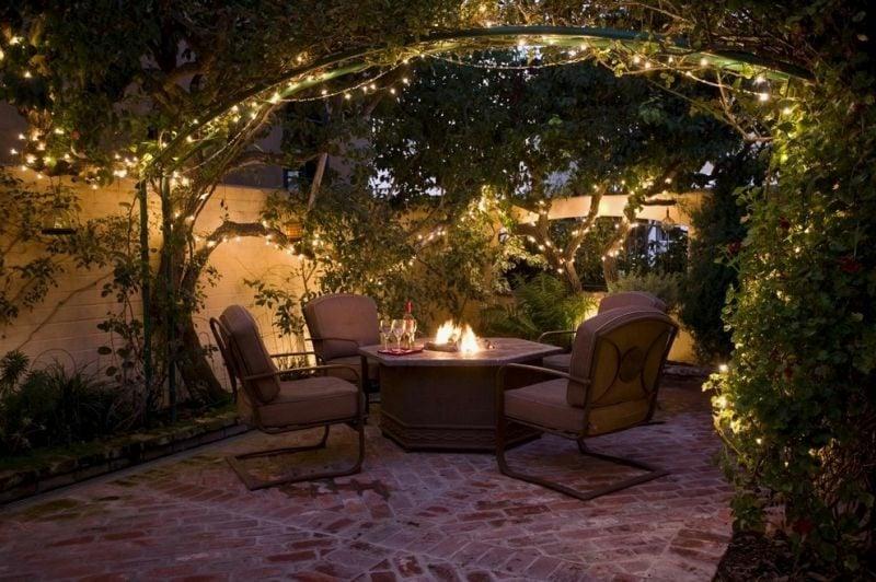 beleuchtete Terrasse