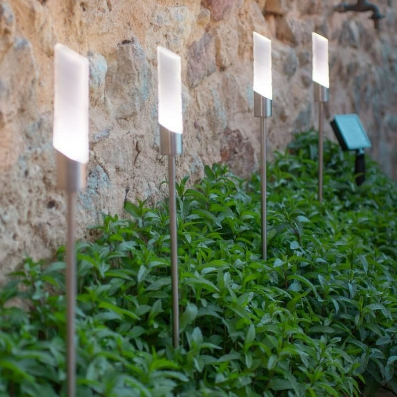 moderne Gartenlampen aus Edelstahl
