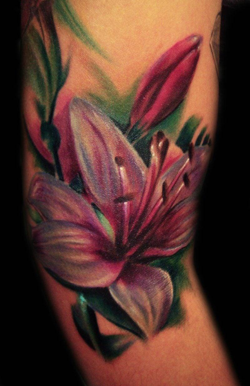 Tattoo Lilie farbig Ideen und Inspirationen