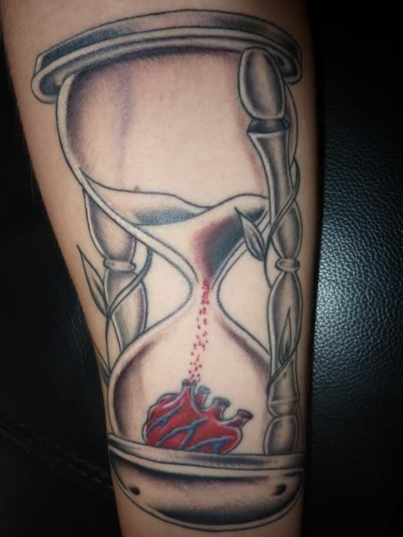 Sanduhr Tattoo Heart