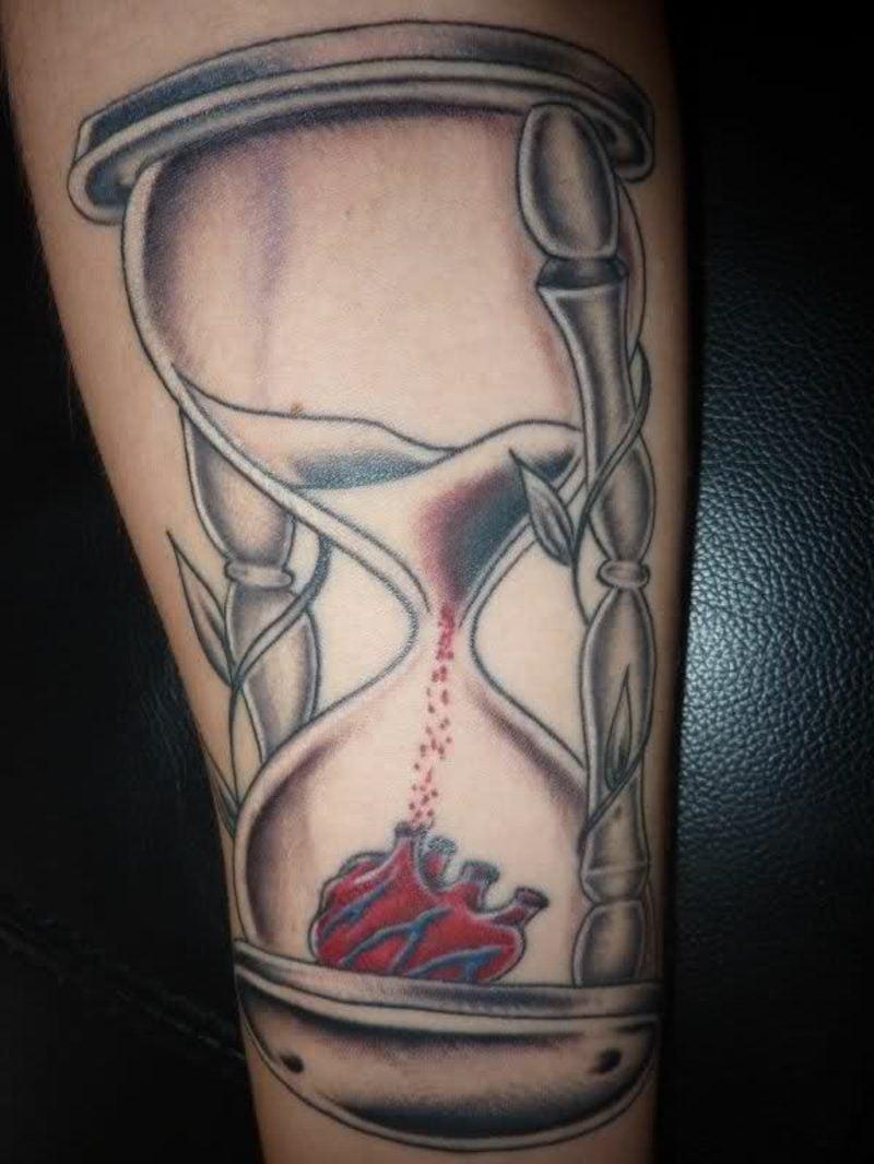 Sanduhr Tattoo Heart