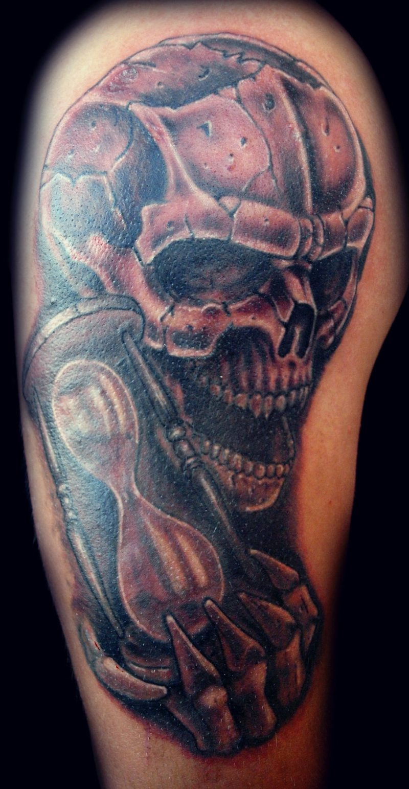 Sanduhr Tattoo skull and hourglass