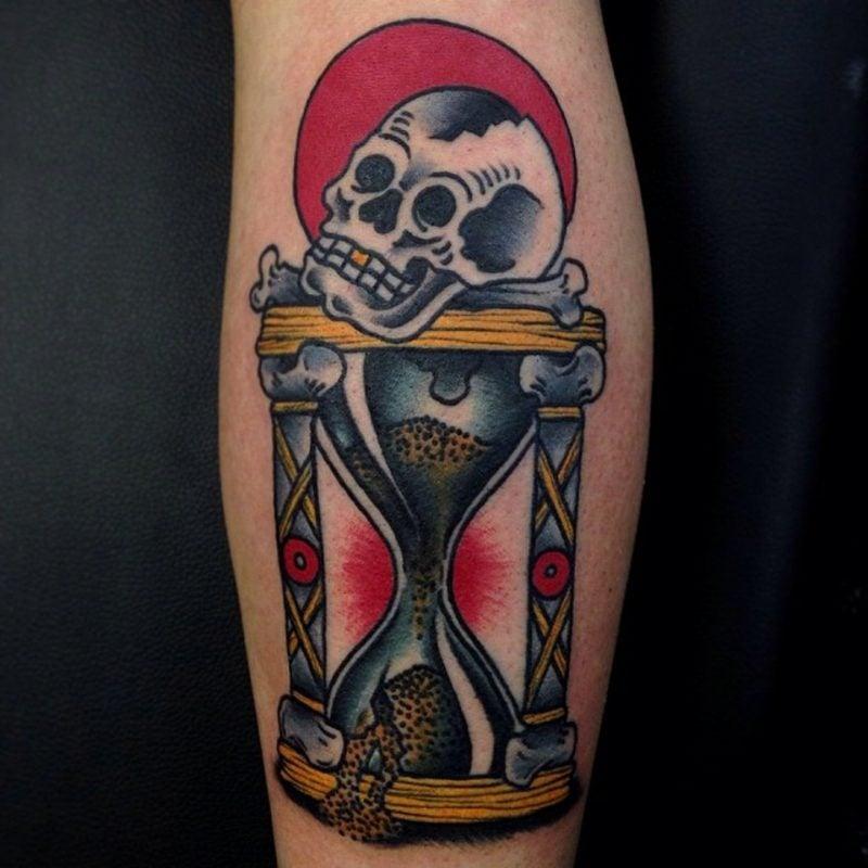 sanduhr tattoo symbolik und herkunft tattoos zenideen. Black Bedroom Furniture Sets. Home Design Ideas