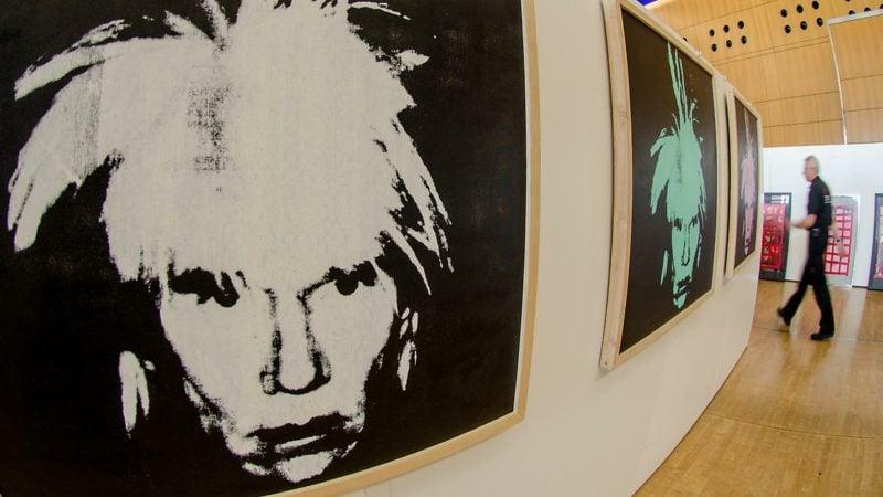 Selbstporträts des Künstlers Andy Warhol-resized