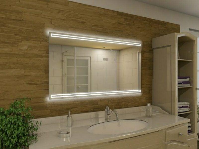 beleuchteter Spiegel Bad